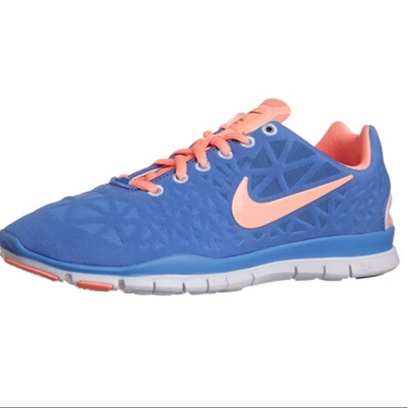 the best attitude 16aab 5f50b Nike Free TR Fit 3 5.0 Women s Running Shoe. M 5be7745504e33d1ee619f394